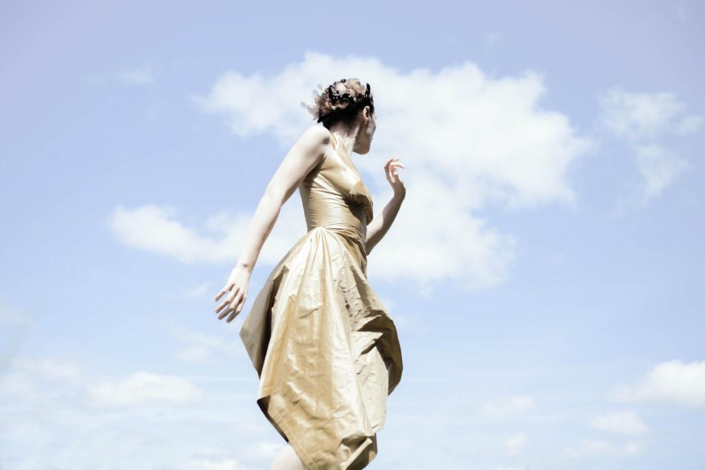 Robe Athena en soie dorée