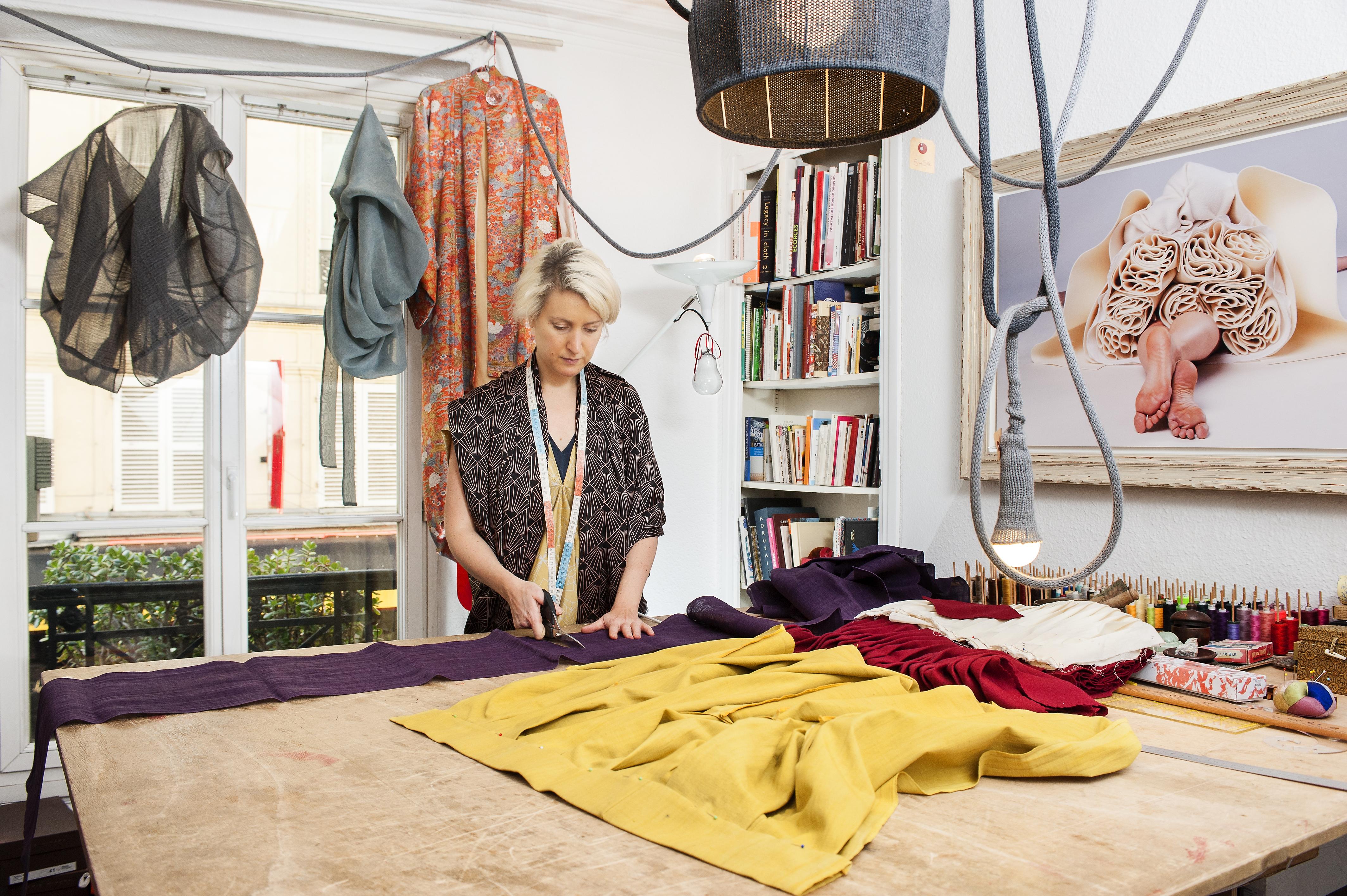 Marie Labarelle - Atelier - La coupe