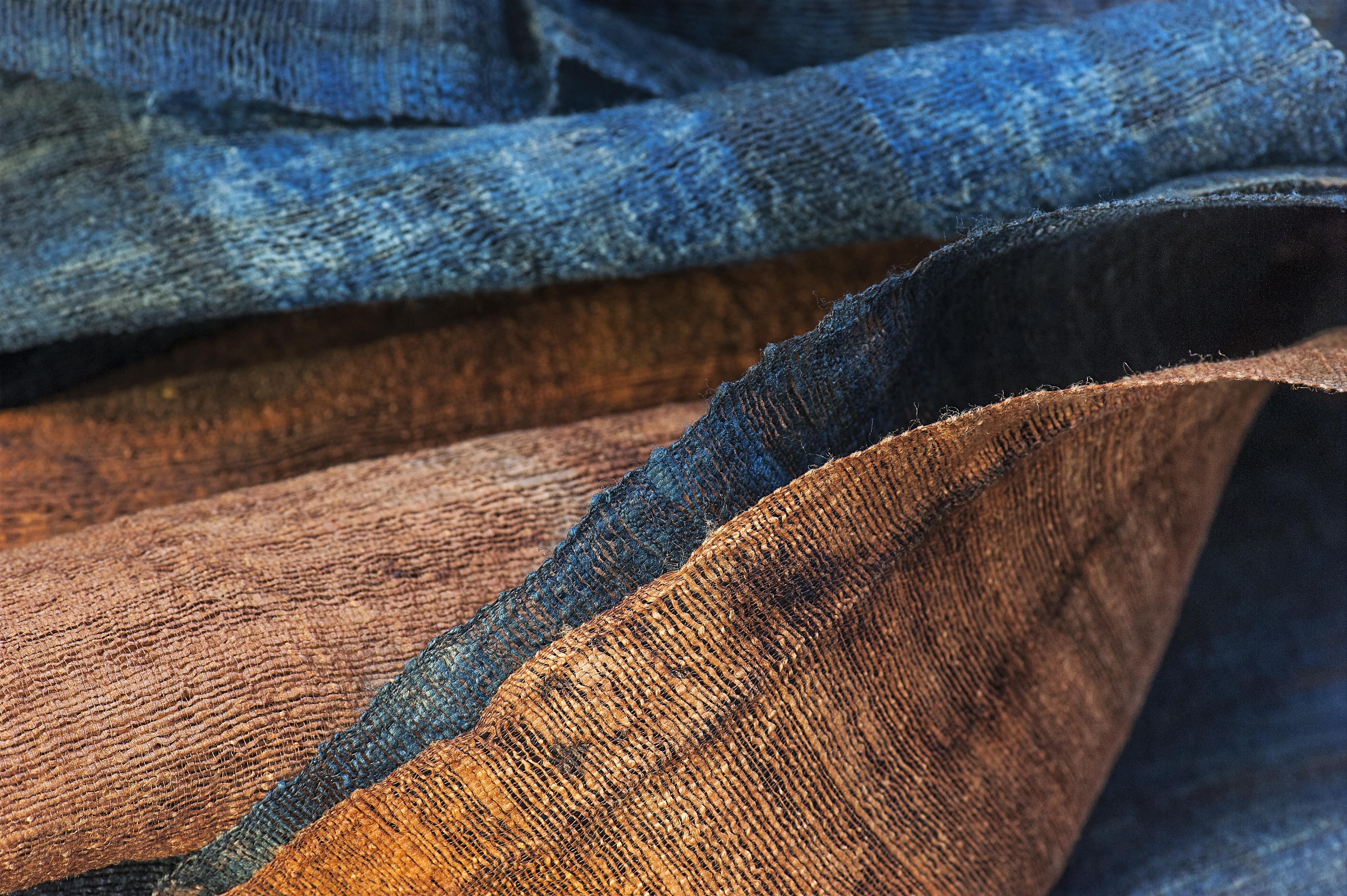 Marie Labarelle - Atelier - Textile teint en indigo - Matière dénichée à Seoul (Corée)